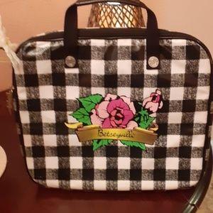 Betsyville padded laptop bag